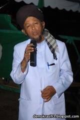Ustaz Radzi Menyampaikan lagu Cinta Untuk Nabila